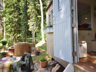 42901 Log Cabin in Hay-on-Wye