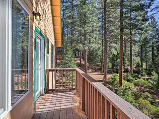 NEW! 4BR North Lake Tahoe Home w/ 2 Viewing Decks!