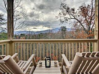 Gatlinburg Cabin w/ Private Hot Tub & Mtn Views!