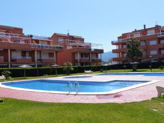 Two bedroom apartment for 4 people with pool.