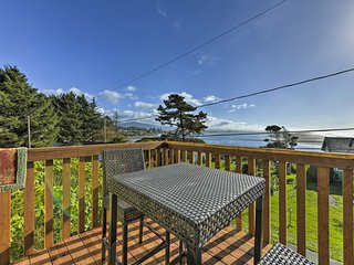 NEW! Cozy 1BR Condo in Smith River w/ Ocean Views