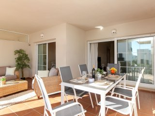 Beautiful apartment with large terrace LA CALA