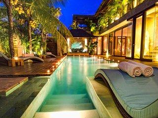 Villa Baraka 4BR DREAM HOUSE 100m to beach