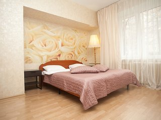 2-room apt. at Pugovishnikov lane, 8 (025)