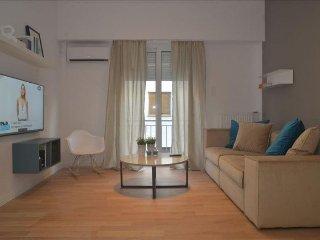 Olympic Stadium White apartment in Pangrati {#has…