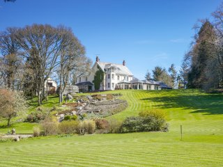 Puggiestone House. An EXCLUSIVE Holiday Let on Dartmoor with Indoor heated Pool