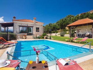 Traditional Luxury Villa With Private Pool & View