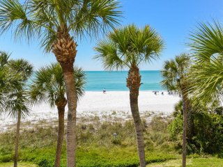 Longboat Key - Sunsets & Dolphins Beachfront Apartment