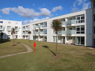 19 Seagate Court, beach side apartment