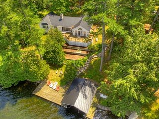 'Dockview Splendour' on Opinicon Lake Near Chaffey's Lock On - Vacation Rental L
