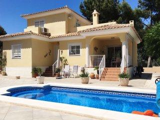 3 Bedroom Villa with Private Pool,Pinada del Rio, Near Alicante