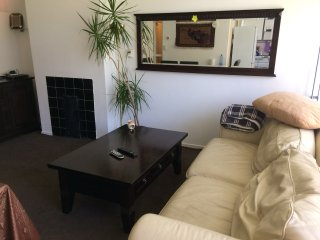 3 bedrooms apartment with free parking