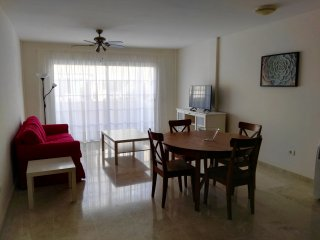 RefJ220 Moderno y cómodo apartamento cerca del mar