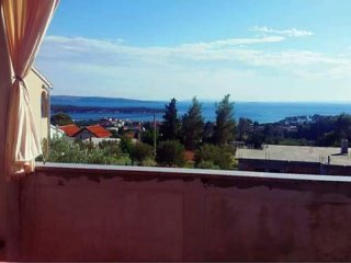 Apartment Matusan- Two Bedroom Apartment with Two Balconies and Sea View