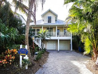 Captiva Village Area Luxury Home with Pool near Beach