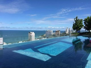 CENTRIC CONDO, NEAR BEACH,AWESOME AMENTIES  AND VIEW,SLEEPS 3.