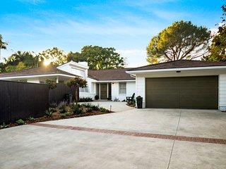 Beautiful Quiet Home in Gorgeous Brentwood Neighborhood