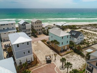 NEW CONSTRUCTION STEPS TO BEACH! 'Beach Smiles'; Gulf Views, 5 Bedroom/Slps 16