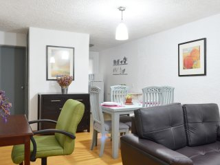Lovely 3 Bedroom Apartment, Waiting for You! EXPO, citycenter3br,1bathroom, WIFI