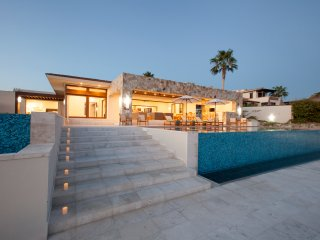 New Villa Cabo - Private Chef Maid Pool Jacuzzi Golf Tennis Fishing Family Fun