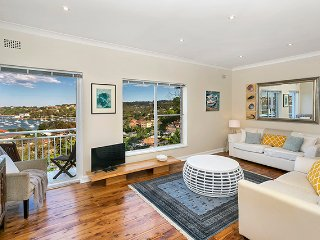 MOS03 -Amazing views - 2 bedroom Mosman apartment