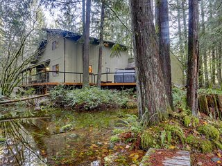 Cabin w/ large deck, shared pool/tennis, hot tub, by river & skiing - 2 dogs OK!