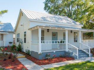 Government Street Cottages - Magnolia Cottage