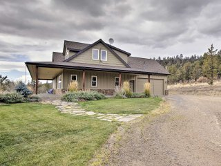 NEW! 3BR Terrebonne House on a 15-Acre Vineyard!