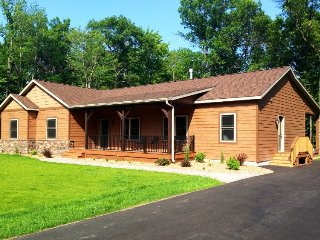 Dells Paradise Pines at Spring Brook Resort | Luxury Six Bedroom on Golf Course