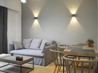 Likavittos  apartment in Koukaki with WiFi, integrated air conditioning, balcony