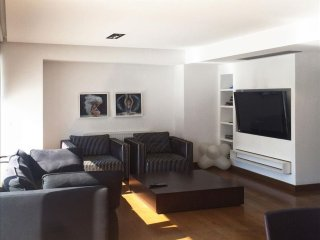 Kolonaki Penthouse - MAN 5th apartment in Pangrati with WiFi, integrated air con