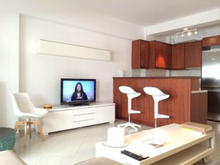 City Break apartment in Koukaki with WiFi, integrated air conditioning, private