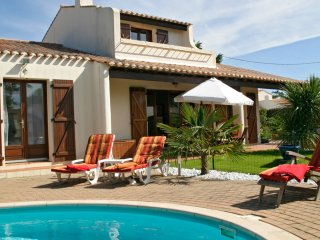 Villa Oceane - on the coast near St Gilles, with private pool, sleeping 8