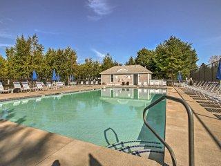 Wells Condo w/ Pools, Tennis, Beach Trolley & More