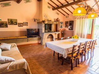 Borgo san Giuliano, apartment 'Domus Grezza' - independent villa