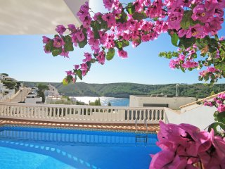 Villa with pool 400 meters from the beach