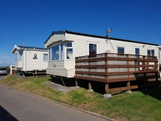 141 Beachside Holiday Park - 6 Berth Caravan Rental - SEA VIEWS, BEACH ACCESS