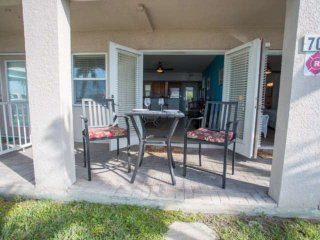 Beachfront location on Pass-A-Grille beach.Walking distance to great restaurants