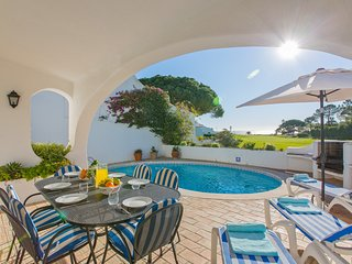 Vale do Lobo ocean view villa, close to beach