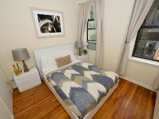 Comfortable family 2 Bed apartment a few blocks from Times Square- Midtown South