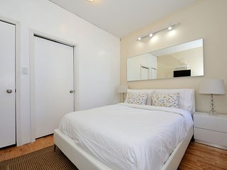 Beautiful 2 beds Times Square 8647