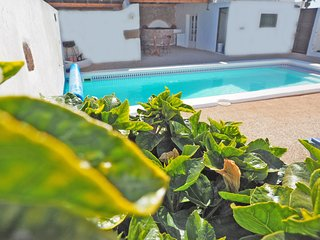 Rural Apartment La Bodega with private swimming pool and free wifi