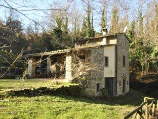 Casa colonica stile toscano immersa nel bosco riservata pochi km da firenze