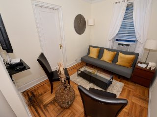 Upper East Side 3bdrs 1bath Deluxe (8446)