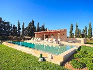 Villa Fiola for 6 guests, only 4km to Mallorca beaches! Catalunya Casas