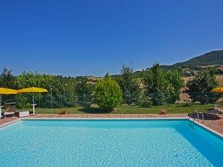 Villa Privata con Piscina, 8 posti, wi-fi, aria condizionata, Marche