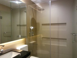 Thwo-Bedroom In Robinson Place Ermita