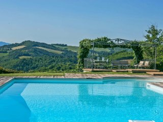 VILLA DIAMANTE - Private Vila with Pool, wi-fi, bright veranda, panoramic view
