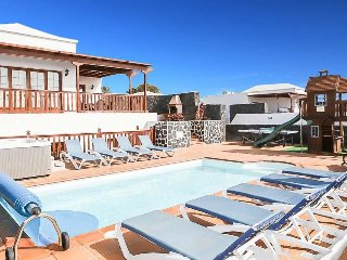 5 bedroom Villa in Playa Blanca, Canary Islands, Spain - 5489273