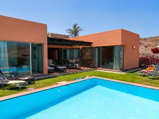 2 bedroom Villa in El Salobre, Canary Islands, Spain - 5334235